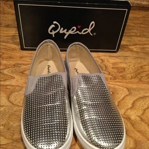 NEW Qupid silver shoes